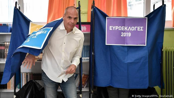Europawahl l Griechenland - Varoufakis gibt seine Stimme ab l MeRA25 Bewegung (Getty Images/AFP/L. Gouliamaki)