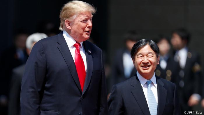 دونالد ترامپ در کنار امپراطور جدید ژاپن