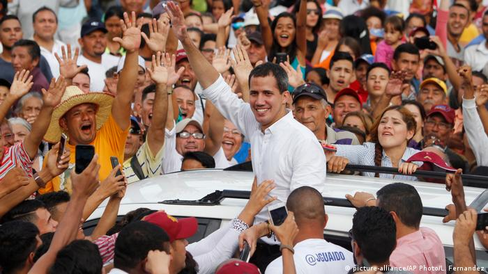 Venezuela's opposition leader and self-proclaimed interim president Juan Guaido (picture-alliance/AP Photo/L. Fernandez)