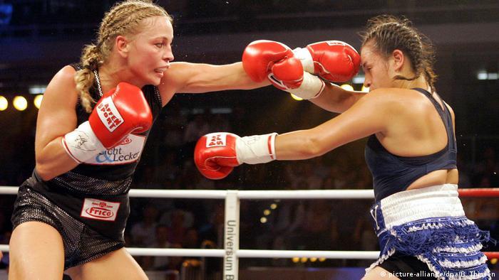 Boxerin Regina Halmich gegen Wendy Rodriguez
