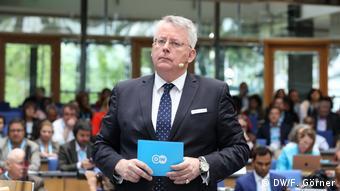Peter Limbourg, dyrektor generalny DW, w czasie publicznego wystąpienia