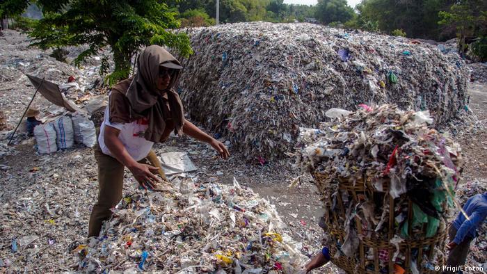 Indonesien - Zulieferung von Ecoton bezüglich Australischer Müll in Ost-Jawa (Prigi/Ecoton)