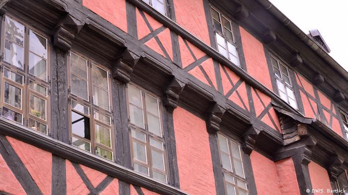 Fassade eines Fachwerkhauses in Quedlinburg (DW/ S. Bartlick)