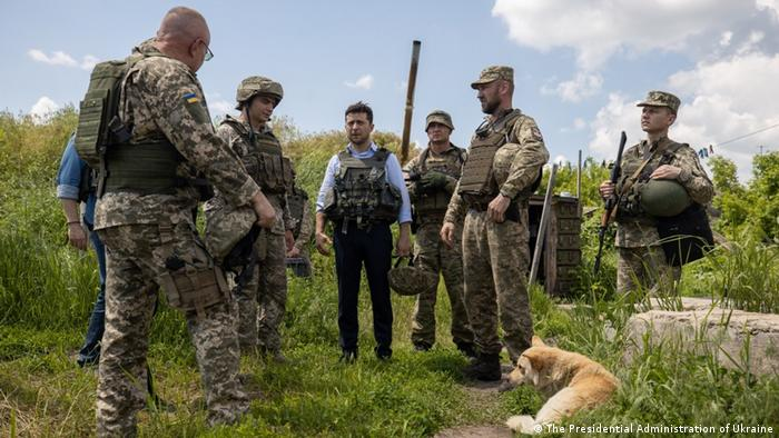 Zelenskiy meets with Ukrainian troops in eastern Ukraine