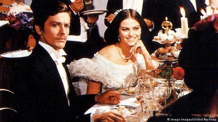 Filmstill Der Leopard von Luchino Visconti mit Alain Delon und Claudia Cardinale. (Imago Images/United Archives)
