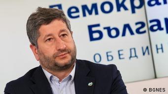 Христо Иванов е бивш министър на правосъдието и съпредседател на Демократична България