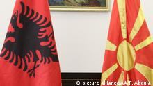 Flags of North Macedonia and Albania (picture-alliance/AA/F. Abdula )