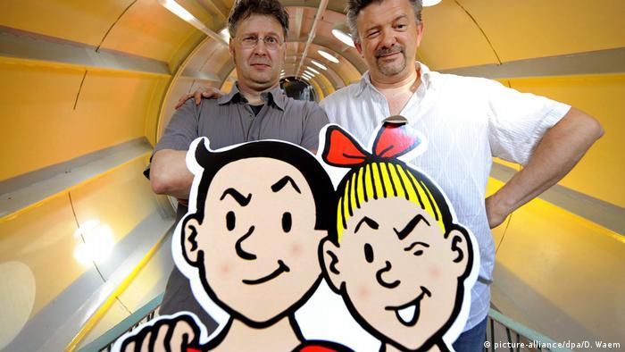 Suske und Wiske mit den Zeichnern Luc Morjeau (l) und Peter Van Gucht.(picture-alliance/dpa/D. Waem)