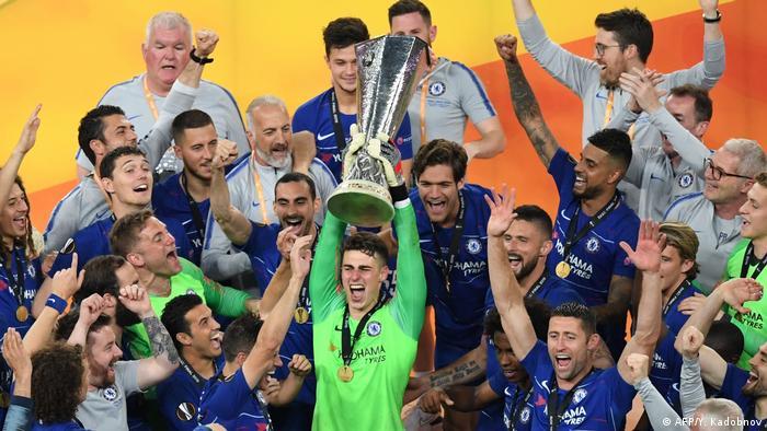 این دومین بار است که چلسی به قهرمانی لیگ اروپا دست یافته است. این تیم در سال ۲۰۱۳ برای اولین بار به این جام بوسه زده بود. بزرگترین موفقیت بینالمللی چلسی اما کسب قهرمانی لیگ قهرمانان باشگاههای اروپا در سال ۲۰۱۲ است. تصویری از شادی بازیکنان چلسی در جشن پیروزیشان در فینال باکو.