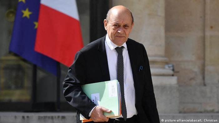 Французский министр иностранных дел Жан-Ив Ле Дриан