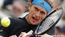 30.05.2019, Frankreich, Paris: Tennis: Grand Slam, ATP-Tour - French Open, Einzel, Herren, 2. Runde, Ymer (Schweden) - Zverev (Deutschland). Alexander Zverev in Aktion. Foto: Christophe Ena/AP/dpa +++ dpa-Bildfunk +++ |