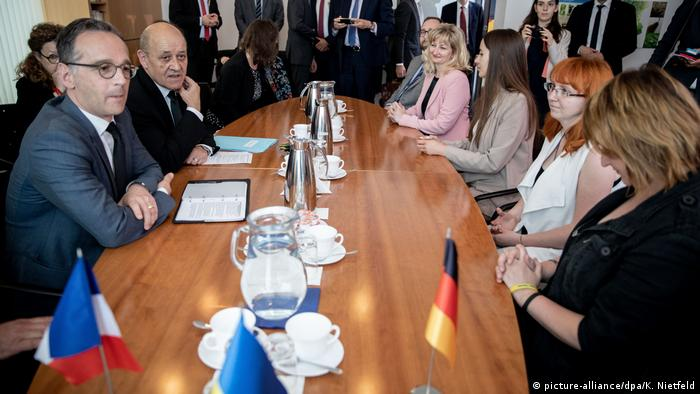 Maas and Le Drian at the German embassy in Kyiv