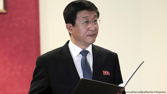 Pressekonferenz mit Kim Hyok Chol in Madrid