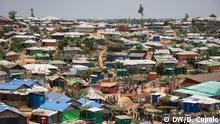 Bangladesch Cox's Bazar - Rohingya Flüchtlinge bereiten Camp für Regenzeit vor