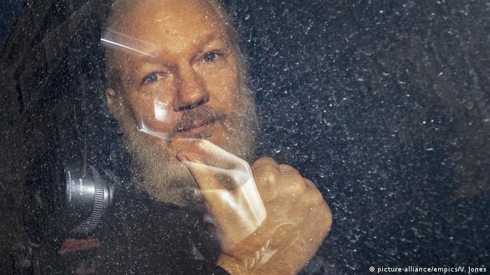 UK Julian Assange (picture-alliance/empics/V. Jones)