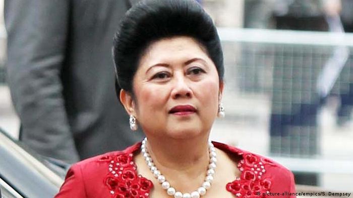 Ani Bambang Yudhoyono Präsidentengattin Indonesien (picture-alliance/empics/S. Dempsey)