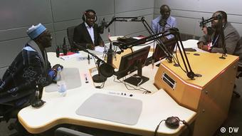 GMF-Teilnehmern aus Senegal und Demokratische Republik Kongo in der DW Bonn