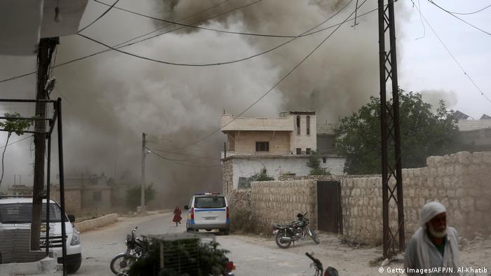 Syrien Luftschläge in der Provinz Idlib (Getty Images/AFP/N. Al-Khatib)