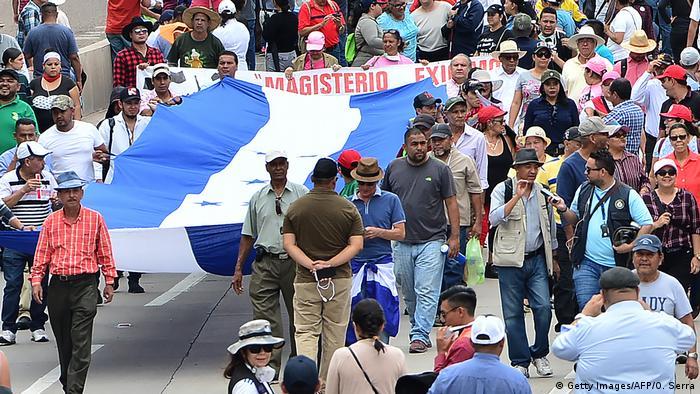 Honduras Tegucigalpa Proteste gegen die Regierung (Getty Images/AFP/O. Serra)