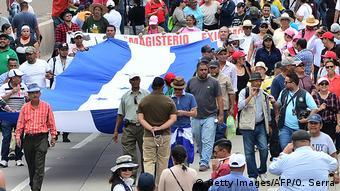 Noche De Manifestaciones En Honduras América Latina Dw