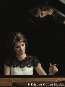 Aurelia Schimkus at the piano