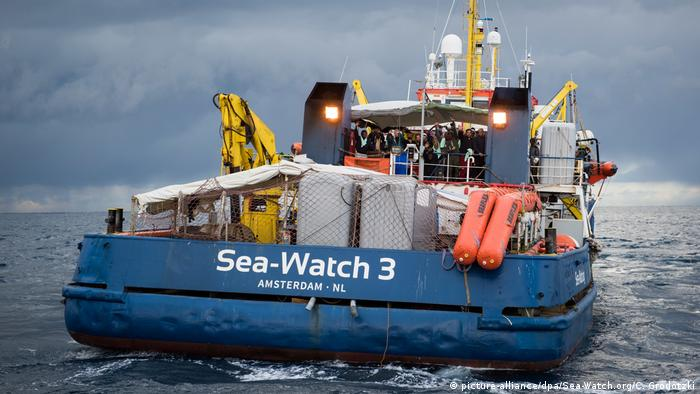 The German rescue ship Sea-Watch 3 (picture-alliance/dpa/Sea-Watch.org/C. Grodotzki)