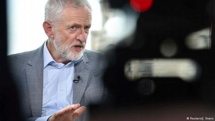 England, London: Jeremy Corbyn im Interview mit BBC (Reuters/J. Overs)