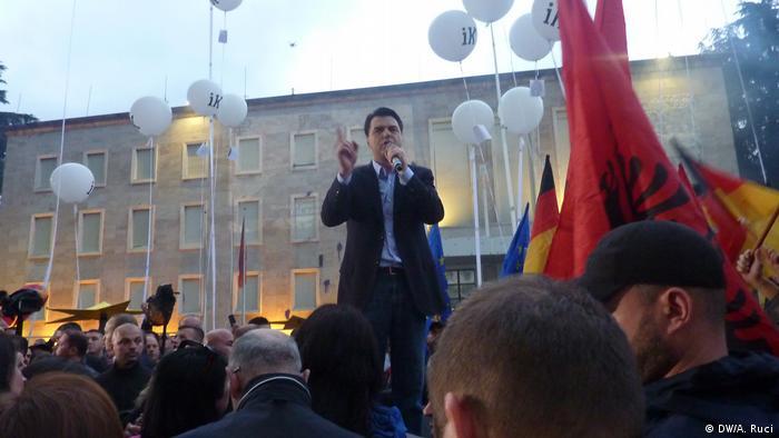 Albanien, Tirana: Ausschreitungen bei Anti-Regierungsprotesten