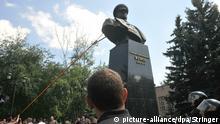 Ukraine, Charkow: Abriss von Denkmal des Marschalls Georgy Zhukov
