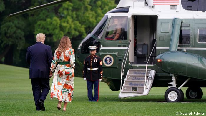 Donald and Melania Trump boarding Air Force One