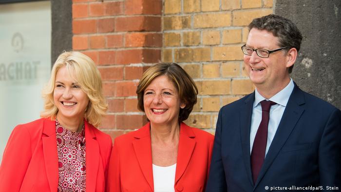 Tres políticos del SPD, incluyendo a dos primeros ministros provinciales, regirán el partido luego de la renuncia de Andrea Nahles. Este mes se determinará la elección de un nuevo jefe de partido, que podría resultar crucial para la canciller alemana, Angela Merkel. (3.06.2019).