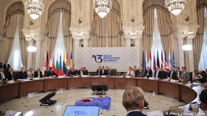 În septembrie 2018, summitul Iniţiativei celor Trei Mări s-a desfăşurat la Bucureşti (picture alliance/AP Photo)