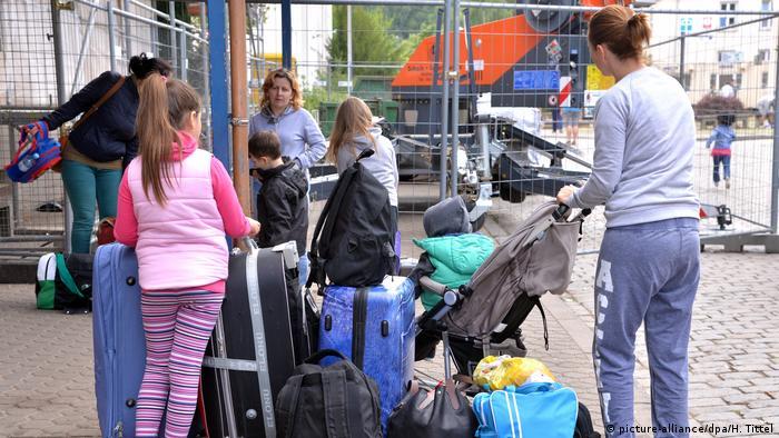 برامج رعاية خاصة لإعادة توطين اللاجئين في أوروبا وكندا!