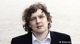 A picture of the Dutch architect Koen Olthuis, who is quoted in the article.