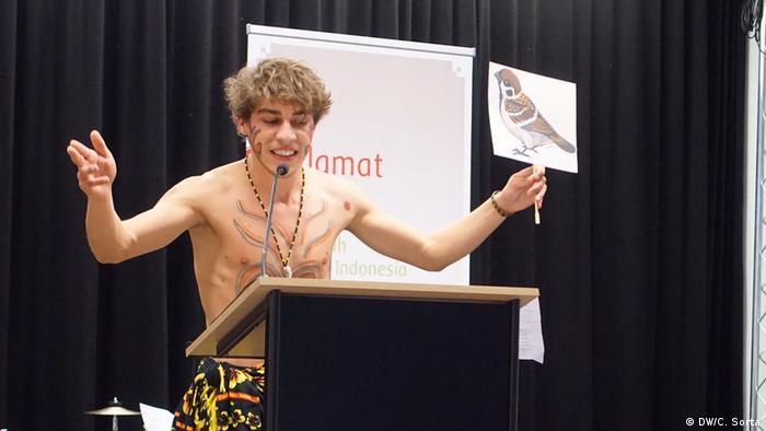 Deutschland Wettbewerb Speech and storytelling im Haus der Indonesischen Kulturen Berlin (DW/C. Sorta)