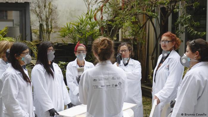 Projeto RestaurAÇÃO capacitou profissionalmente oito mulheres vítimas de violência doméstica em Curitiba