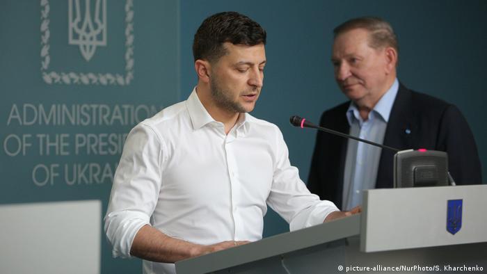 Президент Украины Владимир Зеленкий и представитель страны на переговорах в Минске Леонид Кучма