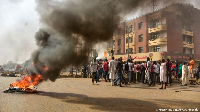 Sudan Proteste in Khartum (Getty Images/AFP/A. Mustafa)