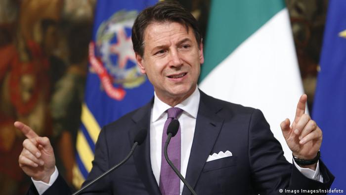 Rom Pressekonferenz Ministerpräsident Giuseppe Conte (Imago Images/Insidefoto)