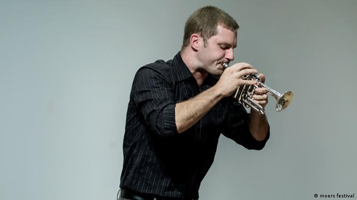 Der New Yorker Trompeter Peter Evans (moers festival)