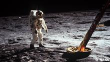 50 Jahre Mondlandung | Astronaut Edwin Aldrin geht auf der Mondoberfläche (NASA)