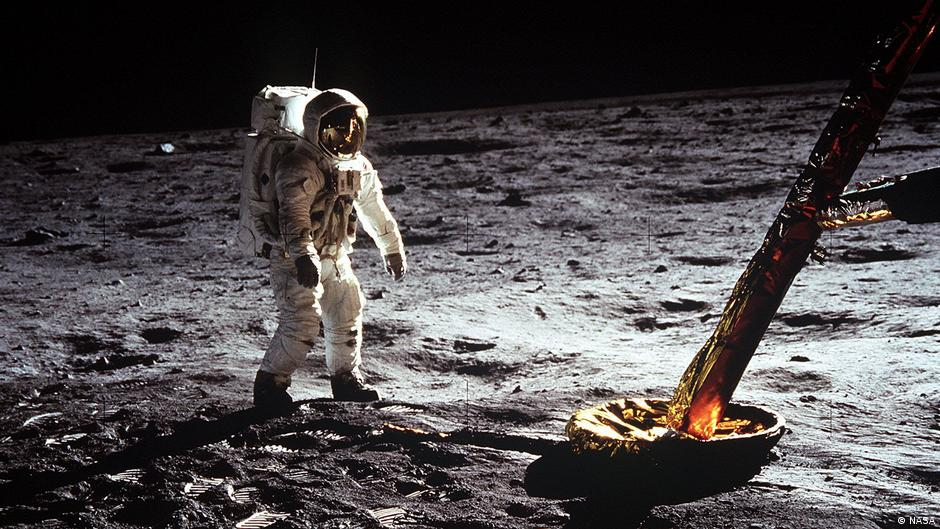 عشر حقائق تؤكد نزول الإنسان على القمر!   منوعات   نافذة DW عربية على حياة  المشاهير والأحداث الطريفة   DW   14.06.2019