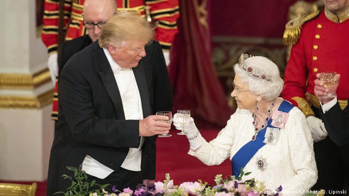 Großbritannien Staatsbankett zum Besuch des US-Präsidenten Trump (picture-alliance/AP Photo/D. Lipinski)