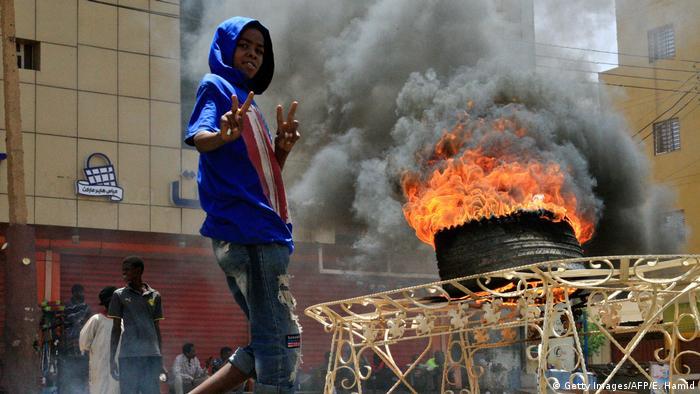 BG Sudan Proteste (Getty Images/AFP/E. Hamid)