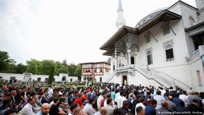 BG Ramadan 2019 Berlin (picture-alliance/AA/A. Hosbas)
