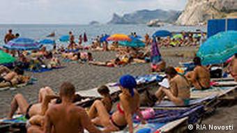 Пляж в Судаке