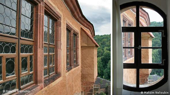 Окно одного из залов жилой башни
