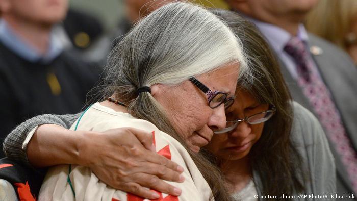 Kanada Bericht über den kulturellen Völkermord an indigenen Völkern (picture-alliance/AP Photo/S. Kilpatrick)