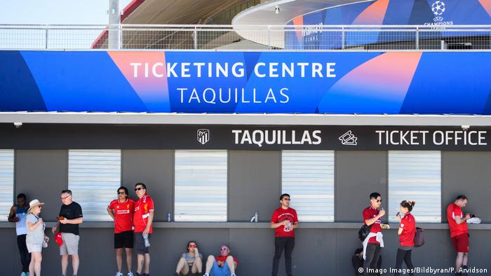 Many fans found shutters down at ticket offices (Imago Images/Bildbyran/P. Arvidson)