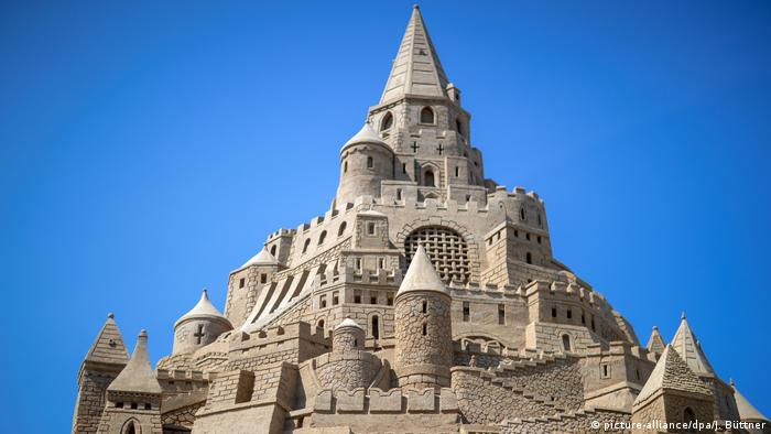 The world record holder for the highest sandcastle in Binz